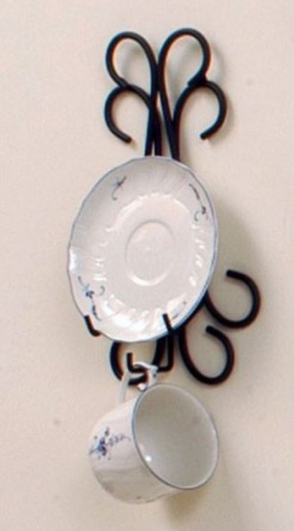 Cup and Saucer Hanger - Curly Q Single - Set of 4