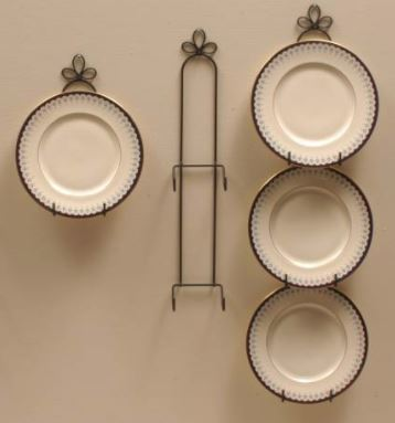 "Wrought Iron Plate Hangers - Vertical - 9 - 10-1/2"" Plates"