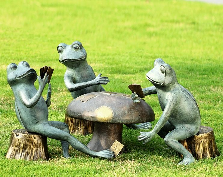Garden Sculpture - Card Playing Frogs