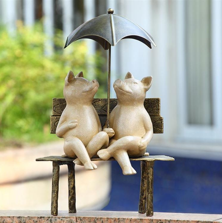 Garden Sculpture - Two Pigs in Love