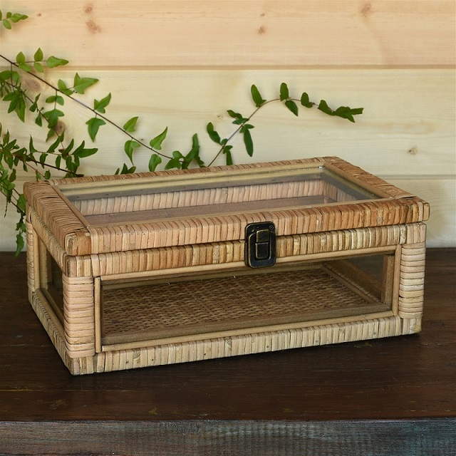 Display Case - Rattan Rectangle Cayman Case
