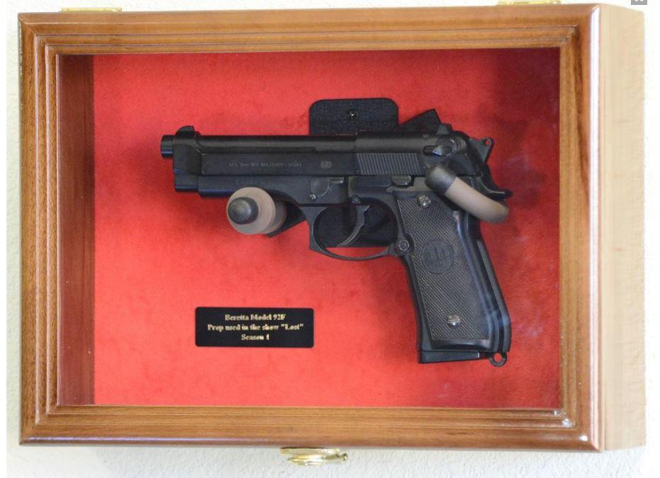 Gun Display Case   Single Pistol Display